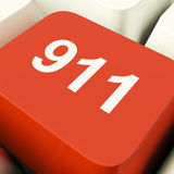 Tasto del computer di emergenza che mostra la polizia del fuoco o salvataggio medico Immagine Stock Libera da Diritti