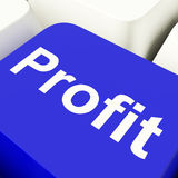 Tasto del computer di profitto in blu che mostra i guadagni ed investimento Fotografia Stock Libera da Diritti