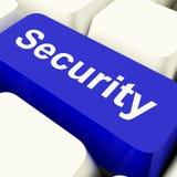 Tasto del computer di sicurezza nella segretezza e nella sicurezza di mostra blu Fotografie Stock