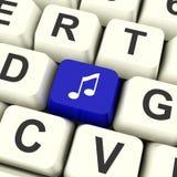 Tasto del computer di simbolo musicale in blu che mostra audio o radiofonico online Immagini Stock