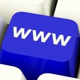 Tasto del computer di WWW in blu che mostra i siti Web o Internet online Fotografia Stock
