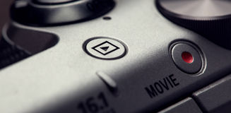 Tasto di riproduzione di film sul corpo dei dispositivi moderni del audio-video Fotografia Stock