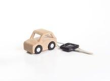 Tasto ed automobile di legno. Immagine Stock Libera da Diritti