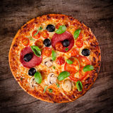 Tasty Italian pizza Royalty Free Stock Photos