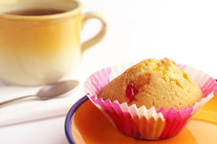 Tasty muffin and tea Royalty Free Stock Photography