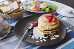 tasty pancake with strawberries Royalty Free Stock Images