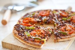 Tasty pizza with tomato Royalty Free Stock Photography