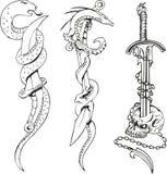 Tatúe los bosquejos con las serpientes, las dagas y el cráneo Imágenes de archivo libres de regalías