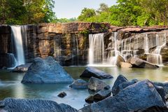 Tat吨瀑布, Chaiyaphum,泰国 免版税库存照片