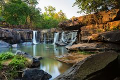 Tat吨瀑布, Chaiyaphum,泰国 库存照片