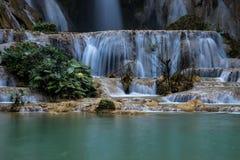 Tat Kuang Si siklawy blisko Luang Prabang, Laos fotografia stock
