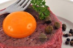 Tatarski stek wewnątrz w górę zdjęcie stock
