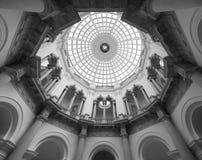 Tate Britain em Londres preto e branco imagem de stock