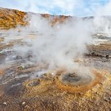 Tatio gejzery przy wsch?d s?o?ca, Atacama pustynia, Chile zdjęcia stock