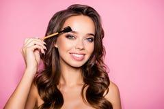 Tatoegering, het microblading, die brows, perfectieconcept modelleren Attrac royalty-vrije stock afbeelding