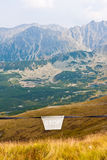 Остановите подпишите внутри горы Tatra стоковое фото
