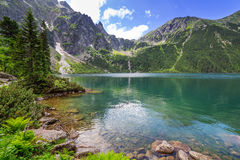 Tatra berg och sjö i Polen Royaltyfria Bilder