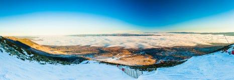 TATRANSKA LOMNICA, SLOVAKIA - DEC 23, 2015: Panoramic view of sk Royalty Free Stock Photos