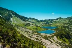 Tatras berg, dal av fem damm Arkivbild