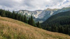 Tatry山景和迁徙的Czerwone Wierchy 图库摄影