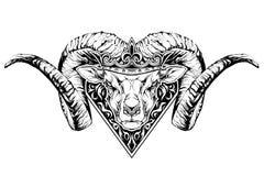 Tatuagem preto e branco de uma cabeça da ram na coroa Fotografia de Stock