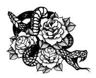 Tatuaggio con la rosa ed il serpente Inchiostro nero tradizionale di stile del punto royalty illustrazione gratis