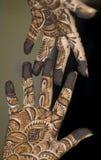 Tatuaggio del hennè sulle mani Fotografia Stock