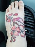 Tatuaggio di consapevolezza del cancro al seno fotografie stock