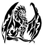 Tatuaje del dragón en el fondo blanco ilustración del vector