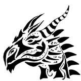 Tatuaje del dragón en el fondo blanco stock de ilustración