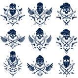Tatuaje, emblema de la cuadrilla o logotipo criminal con los bates de b?isbol agresivos del cr?neo y otras armas y elementos del  stock de ilustración