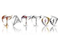 Tatuera text med färgtatueringen på varje bokstav Arkivbilder