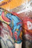 tatuerad kvinna för arm s royaltyfri fotografi