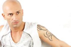 Tatuujący mężczyzna Fotografia Royalty Free