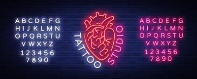 Tatuuje pracownianego loga, neonowy znak, symbol ludzki serce, jaskrawi billboardy, noc sztandar, neonowa jaskrawa reklama dalej ilustracji