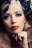 η όμορφη κλασική μόδα φαίνε&tau Στοκ εικόνες με δικαίωμα ελεύθερης χρήσης