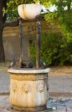 Tauben auf dem Brunnen Stockfotografie