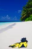 Tauchens-Schablone mit Flossen auf Strand Lizenzfreie Stockfotografie