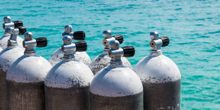 Tauchluftflasche in Santa Maria-Strand im Salz Kap-Verde - Cabo Lizenzfreies Stockbild