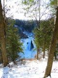 Taughannock在冬天下跌峡谷视图 库存照片