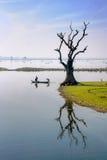 Taungthaman sjö nära Amarapura Royaltyfri Fotografi