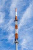 费尔德伯格/Taunus发射机帆柱在山顶部 免版税图库摄影