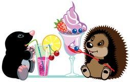 Taupe et hérisson mangeant des desserts illustration libre de droits