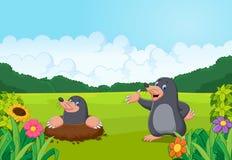 Taupe heureuse de bande dessinée dans la forêt Image stock