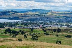 Taupo de negligência e lago Taupo de Mt Tauhara imagem de stock