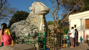 Taureau de Nandi, colline de Chamundi, Mysore, Inde Images stock