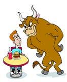 Taureau fou au sujet de l'hamburger Image libre de droits
