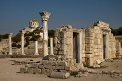 Tauric Chersonese και καθεδρικός ναός του ST Βλαντιμίρ ` s στη Σεβαστούπολη στοκ φωτογραφία με δικαίωμα ελεύθερης χρήσης