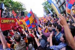 Tausende von Leuten verbindet Barspieler auf den Straßen der katalanischen Hauptstadt, um den Verein zu feiern, der seinen 22. Lig Lizenzfreies Stockfoto