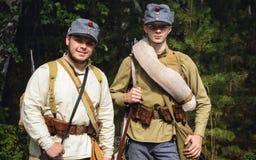 TAVATUI SVERDLOVSK OBLAST, RYSSLAND - AUGUSTI 20, 2016: Historisk reenactment av den ryska inbördeskriget i Uralsna i 1918 Österr Royaltyfria Foton